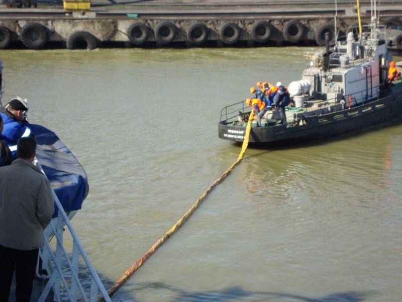Тренировка на акватории морского порта Ейск