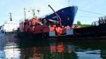 Операция по ликвидации разлива нефтепродуктов на акватории порта Ванино