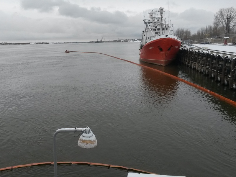 Проведено учение в акватории морского порта Астрахань