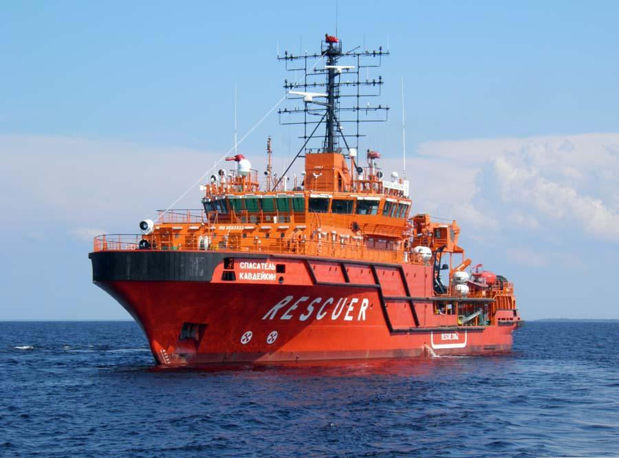 Выполнение ледокольной проводки судов в морской порт Ванино и на подходах к нему