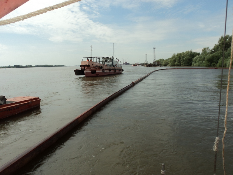 На акватории морского порта Астрахань проведено комплексное учение