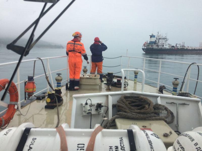На акватории морского порта Новороссийск проведены учения по поиску и спасанию людей, терпящих бедствие в море.