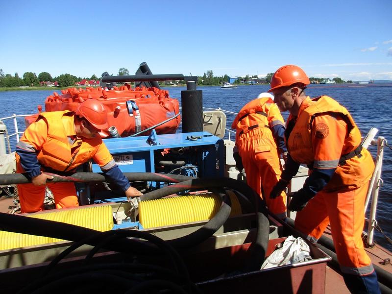 Учение на акватории морского порта Усть-Луга.