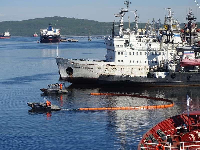 Учение в Кольском заливе на акватории морского порта Мурманск.