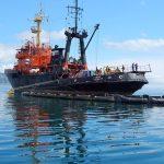 Спасатели Морспасслужбы сняли с мели судно-рефрижератор в бухте Русская