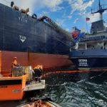 Спасатели Северного филиала ликвидировали аварийный разлив мазута в порту Мурманск