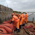 В ходе учений спасатели Морспасслужбы получили сигнал о фактическом загрязнении акватории порта
