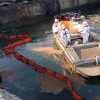 Сахалинские спасатели Морспасслужбы завершили ликвидацию разлива нефтепродуктов в порту Корсаков